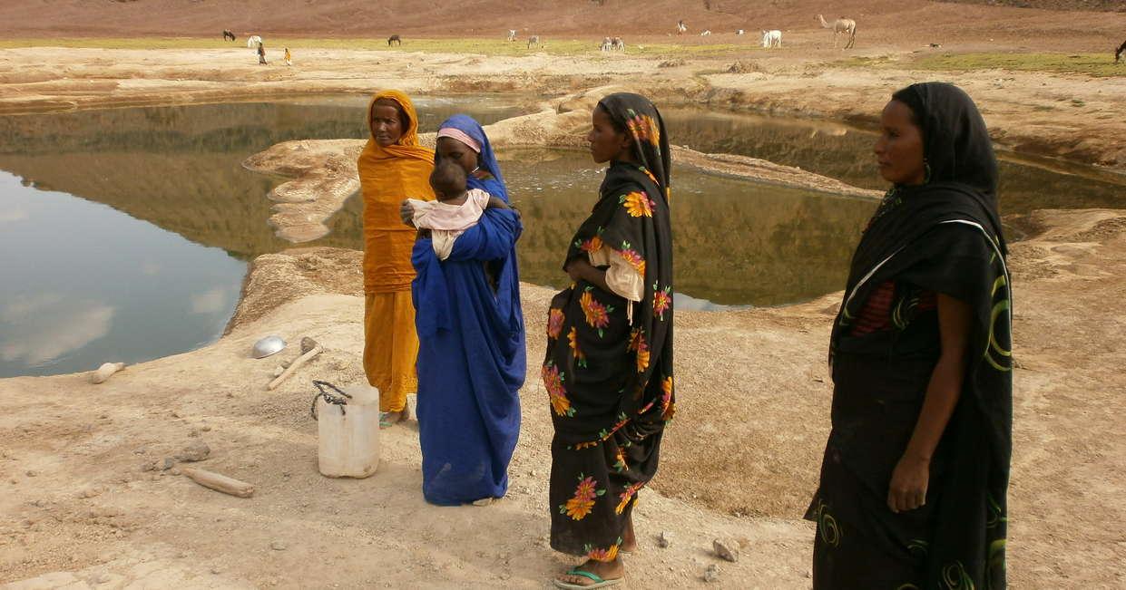 Local Sudanese women